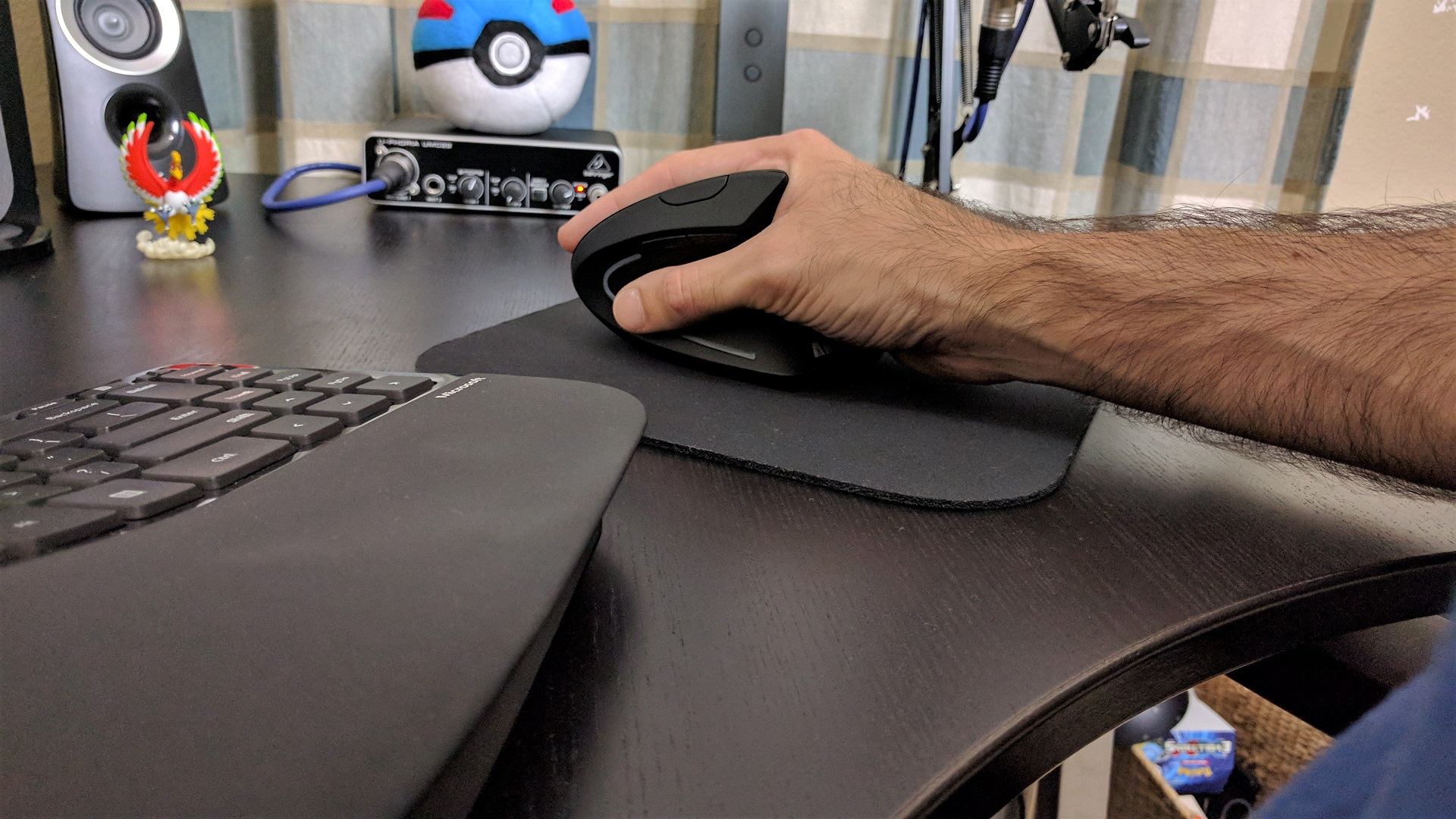 Anker Vertical Ergonomic Optical Mouse Review